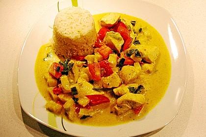 Hähnchen-Ananas-Curry mit Kokosmilch 15