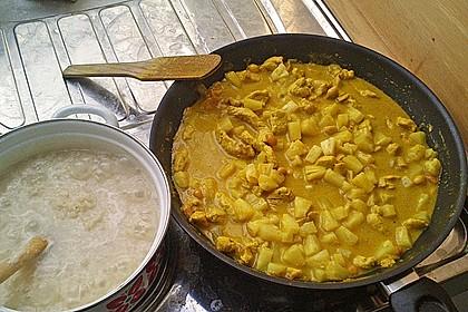 Hähnchen-Ananas-Curry mit Kokosmilch 32