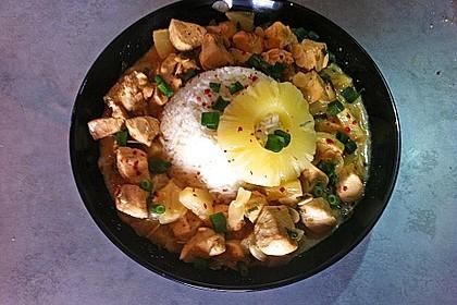 Hähnchen-Ananas-Curry mit Kokosmilch 3