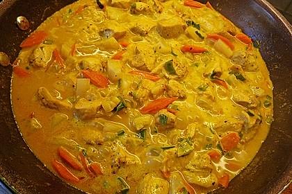 Hähnchen-Ananas-Curry mit Kokosmilch 12