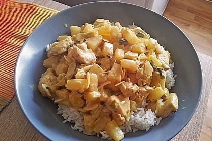 Hähnchen-Ananas-Curry mit Kokosmilch 13