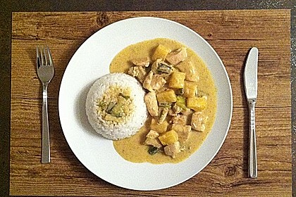 Hähnchen-Ananas-Curry mit Kokosmilch 6
