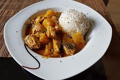 Hähnchen-Ananas-Curry mit Kokosmilch 0