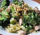 Brokkoli in Lachs - Sahne