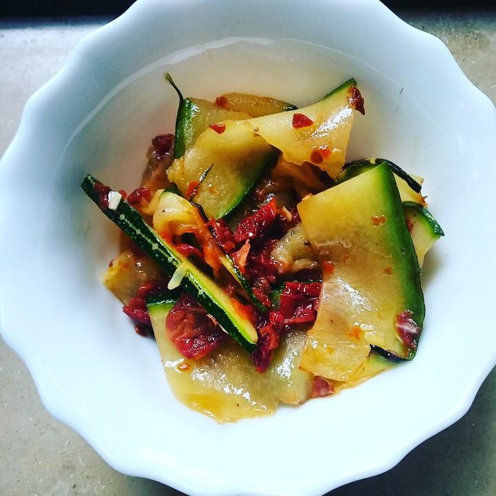 gegrillter zucchini salat rezept mit bild von bushcook. Black Bedroom Furniture Sets. Home Design Ideas