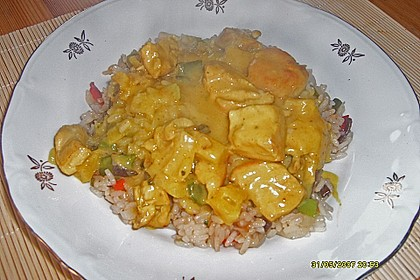 Hühnerbrust in Ananas - Curry - Sauce