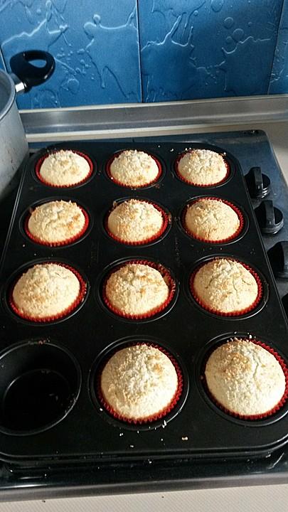 kokos rum muffins rezept mit bild von binebaer. Black Bedroom Furniture Sets. Home Design Ideas