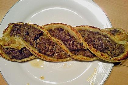 Blätterteigzopf mit Hackfleisch 6