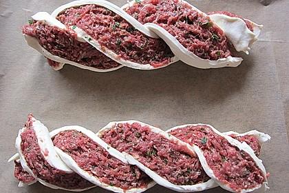 Blätterteigzopf mit Hackfleisch 1