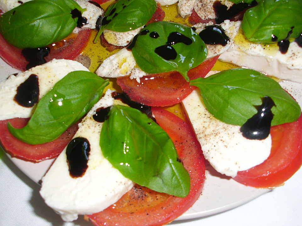 dressing f r tomate mozzarella salat. Black Bedroom Furniture Sets. Home Design Ideas