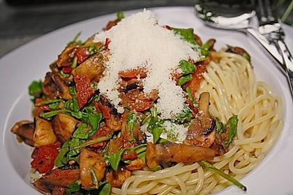 Schnelle Champignon - Tomaten - Rucola - Pfanne 1