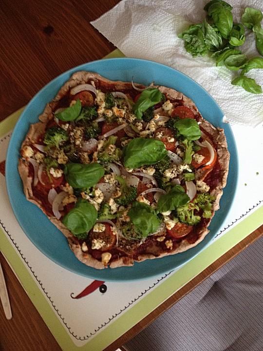 kalorien und fettarme vollkornpizza rezept mit bild. Black Bedroom Furniture Sets. Home Design Ideas