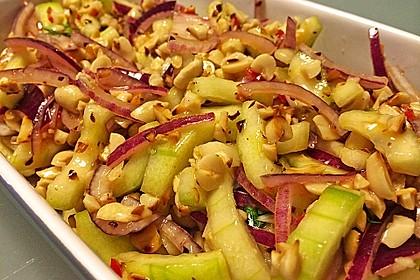Thai Gurkensalat mit Erdnüssen und Chili 1