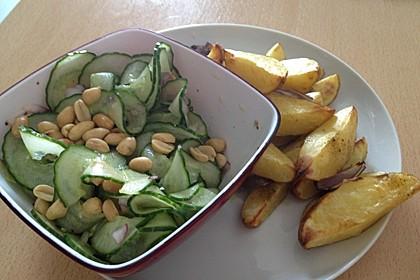 Thai Gurkensalat mit Erdnüssen und Chili 17