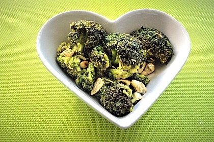 Brokkolisalat 3