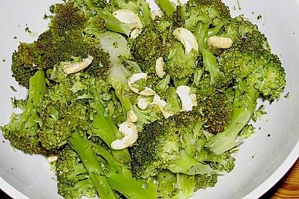 Brokkolisalat 4