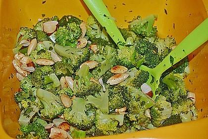 Brokkolisalat 7