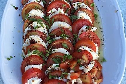 Einfacher Tomate - Mozzarella - Salat 10