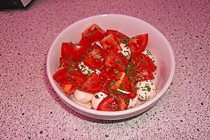 Einfacher Tomate - Mozzarella - Salat 8
