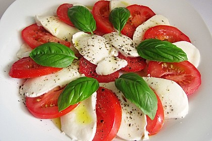 Einfacher Tomate - Mozzarella - Salat 3
