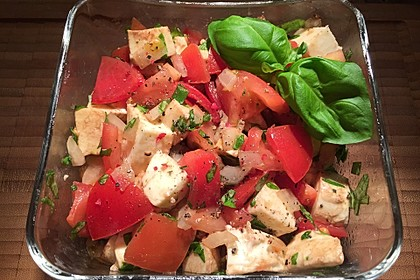 Einfacher Tomate - Mozzarella - Salat 4