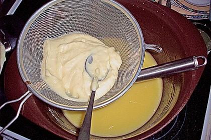 Frankfurter Kranz mit selbst gemachter Vanille - Buttercreme 9