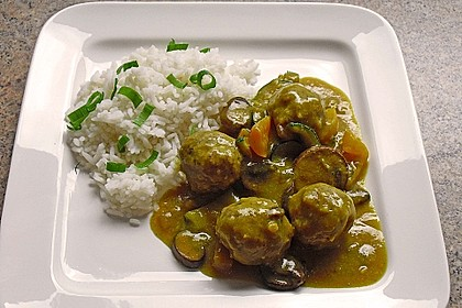Hackklößchen in bunter Currysauce 0