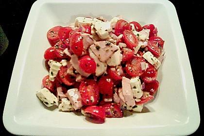 Tomaten - Wurst - Salat mit Schafkäse 3