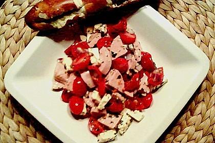 Tomaten - Wurst - Salat mit Schafkäse 2