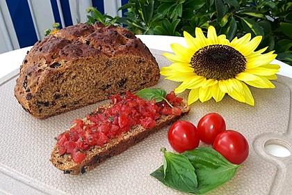 Pane al pomodoro e olive 2