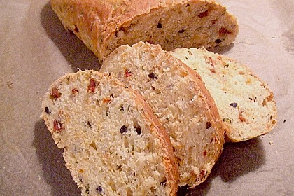 Pane al pomodoro e olive 3