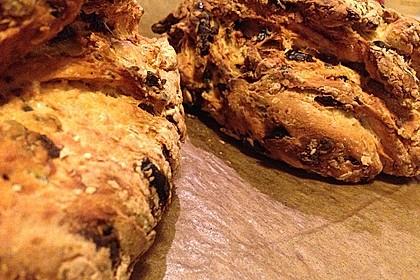 Pane al pomodoro e olive 15