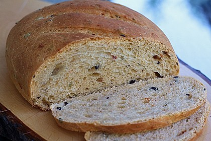 Pane al pomodoro e olive 4