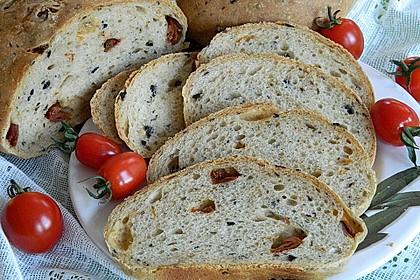 Pane al pomodoro e olive