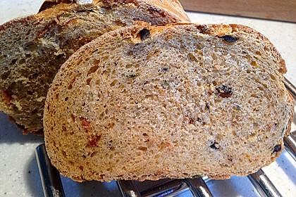 Pane al pomodoro e olive 13
