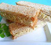Sandwich - Häppchen mit Sellerie und Parmesan