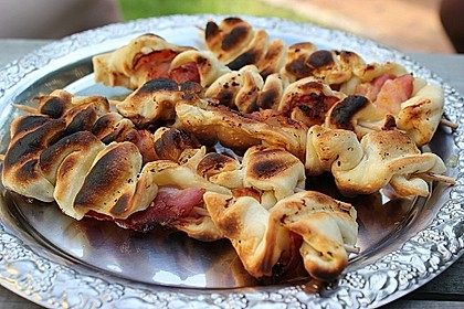 Gegrillte Teigspieße mit Bacon und Knoblauch 20