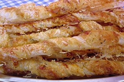 Käsestangen aus Blätterteig 22