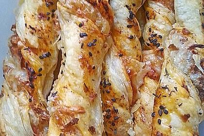 Käsestangen aus Blätterteig 36