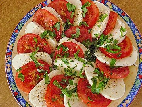 tomaten mozzarella salat rezept mit bild von robinson crusoe. Black Bedroom Furniture Sets. Home Design Ideas