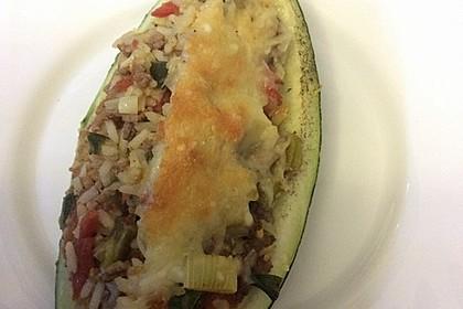 Zucchini mit Hackfleisch - Reis - Füllung 24