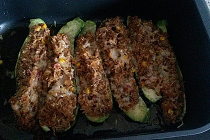 Zucchini mit Hackfleisch - Reis - Füllung 16