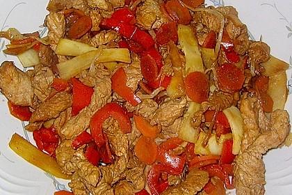 Gebratenes Hühnchen mit Mie-Nudeln 46