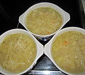 Zwiebelsuppe, französische Art (Bild)