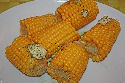 Maiskolben mit Butter 12