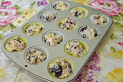 Kirsch - Muffins mit Kokosstreusel 24