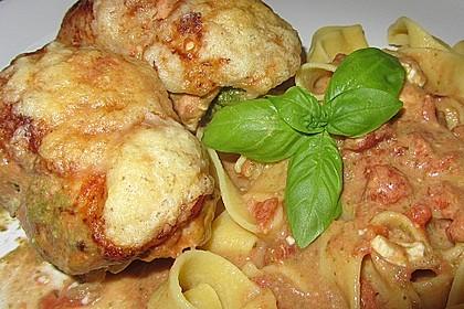 Gefüllte Hähnchenröllchen mit Pesto, Feta und Schinken  à la Toscana 4