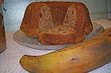 Kuchen mit bananen und walnussen