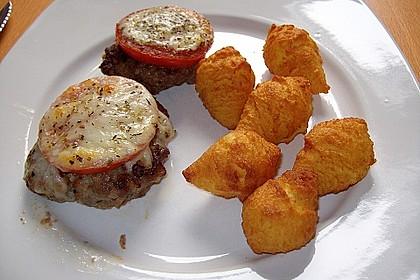 Frikadellen mit Mozzarella und Tomaten 1