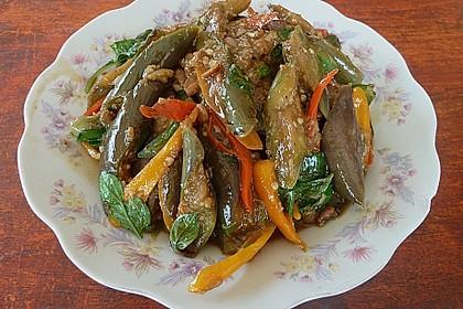 Maküa Jao Pad Taojiau - Thai Auberginen mit fermentierter Sauce 1